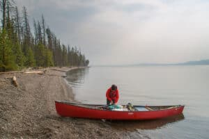Difference of kayak and canoe